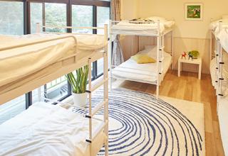 ベッドルーム(2段ベッド×4)